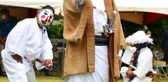 南海日日新聞〔写真〕一番組が奉納した「三者囃子」=7日、地主神社