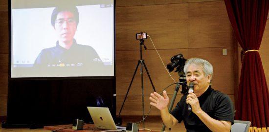 論文の内容を解説する浜田太さん(右)と水田拓さん=22日、奄美市名瀬